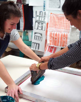 Textile Screen Printing Workshop by Georgia Bosson - art in London