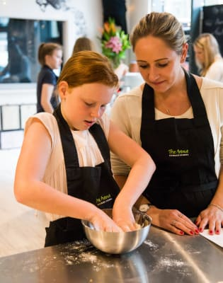 Bake Off Class by The Avenue Cookery School - food in London