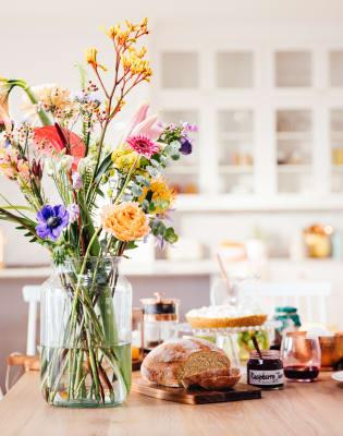 bloomon Flower Arranging Workshop: Belsize Park by bloomon - crafts in London