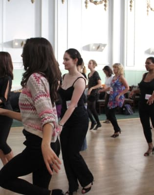 Salsa Class by Incognito Dance - dance in London