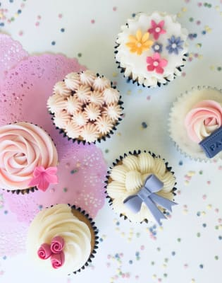 Cupcakes and Buttercream Swirls Class by Rock Bakehouse - food in London