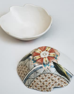 Japanese Pottery with Akiko by Clover & Emilia Pottery - art in London