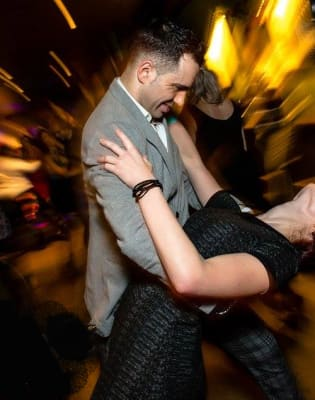 Intermediate Bachata Class by Salsateca Dance School - dance in London