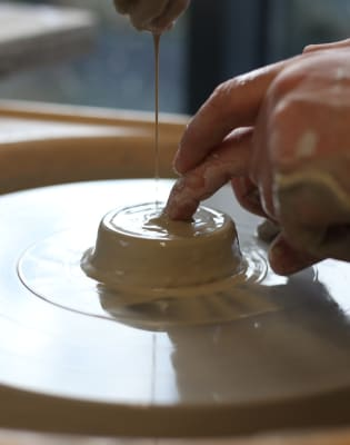 Pottery Workshop by The Slightly Curious Studio - art in London