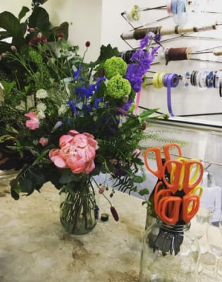 Pickle Jar Flower Arranging Workshop by Grace & Thorn - crafts in London
