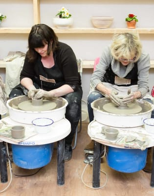 Luxury Throwing pottery Party by Kite Studios - art in London