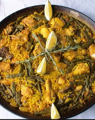 Traditional Paella Valenciana Cooking Class: Battersea by London Paella School - food in London