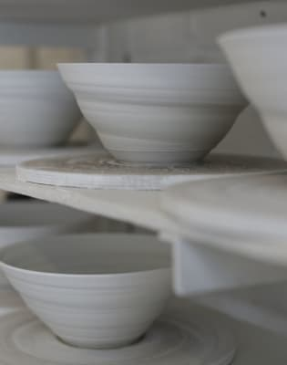 Introduction to Wheel-Throwing Porcelain Weekend Workshop by Jo Davies Ceramics - art in London
