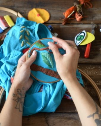 Introduction to Embroidery Stitches & Upcycle a garment with embroidery designs : Full Day
