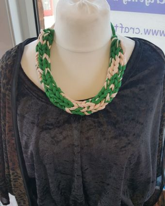 Chunky Knitted Necklace Workshop