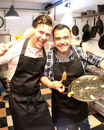 Black Paella Cooking Class: Battersea