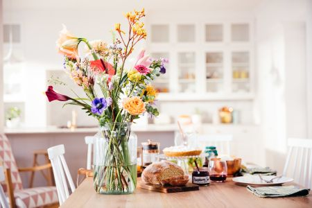 Learn all about Bloomon's gorgeous flowers and how to create the perfect bouquet in this workshop in Clerkenwell for Design Week!