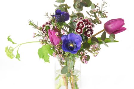Decorate your home and reduce waste with upcycled jam jar floristry in this Jam Jar Flower Arranging Class at Tea & Crafting in Camden, London.