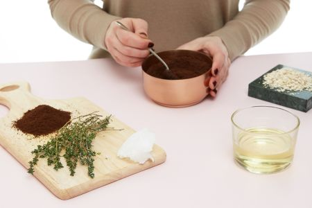 Make your own beauty products with natural ingredients in this class in London conducted by Clean Beauty (Included: scrub, moisturiser, toner and hair oil)