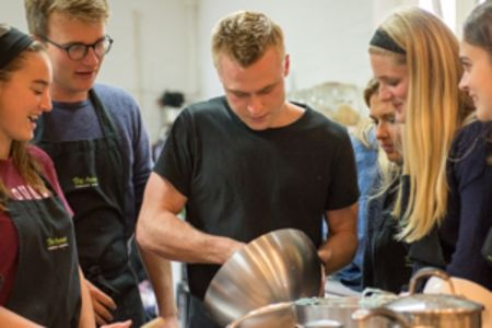 After this week-long intermediate cookery course in London, you will be able to work in a chalet, on a yacht, or cook for families in their holiday homes.