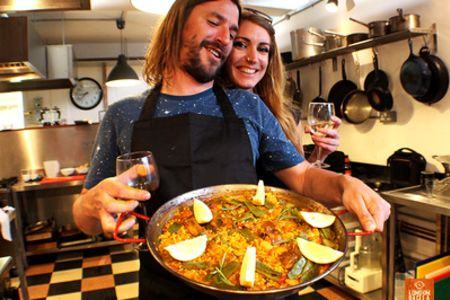 Private paella cooking class