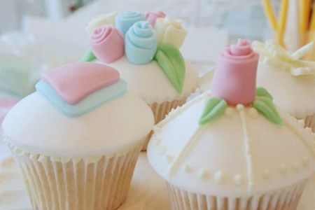 Beginners Cupcake Decorating Class - Obby