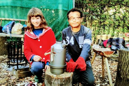 This family friendly workshop in London gets you introduced to green woodworking using unseasoned wood straight from the log and hand tools.