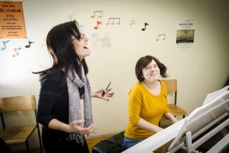 Intermediate Piano Lessons