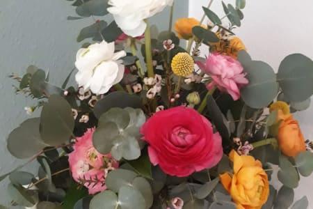 Make your own Mother's Day gift - flower arranging workshop