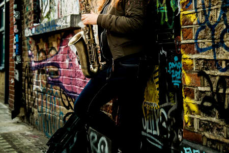 Intermediate Saxophone Lessons with Dee Byrne