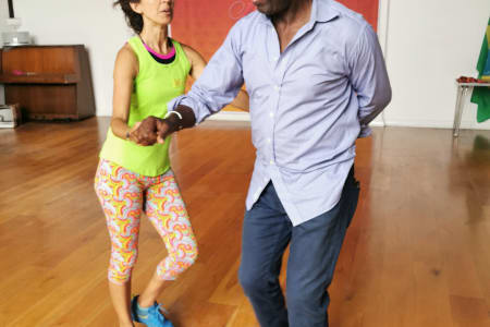 Beginner's Salsa Lessons for Couples & Singles