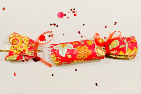 Make Your Own Christmas Crackers!