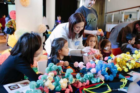 Kids paper pom pom workshop