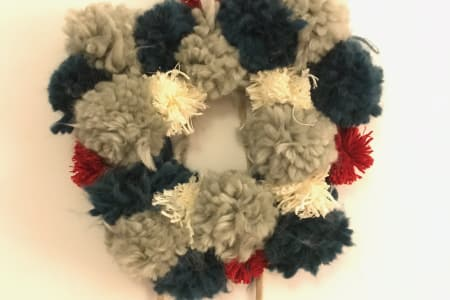 Make a Christmas Pom Pom Wreath