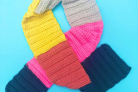 Learn to Crochet - An Easy Scarf