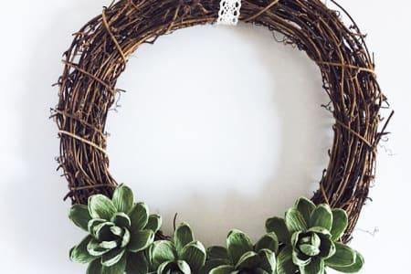 Make a Christmas Wreath using Beautiful Italian Specialist Crepe Paper
