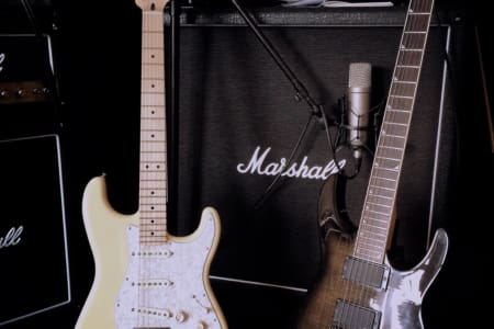 Beginners Rock Guitar Lessons with AxegrinderUK
