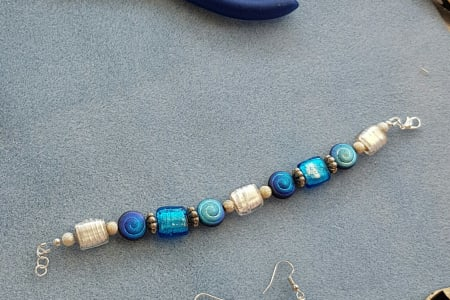 Make your own beaded Jewellery