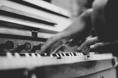 Intermediate Piano Lessons with Yi-Shing Cheng