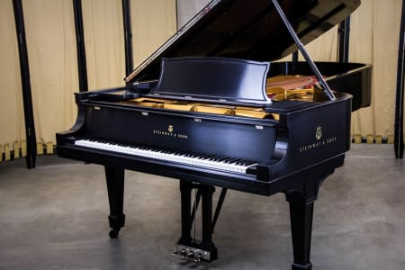 Advanced Piano Lessons with Yi-Shing Cheng