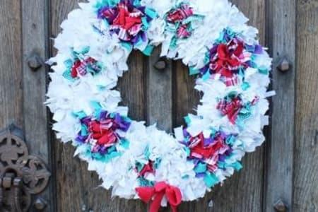 Make a Rag Rug Christmas Wreath!