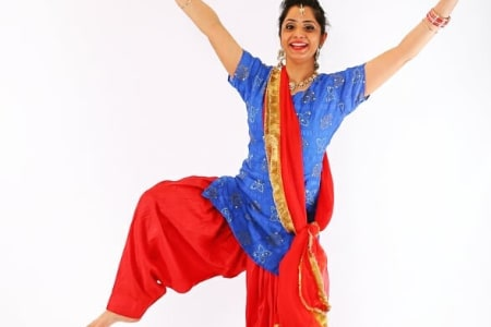Females Only Bhangra & Giddha Dance