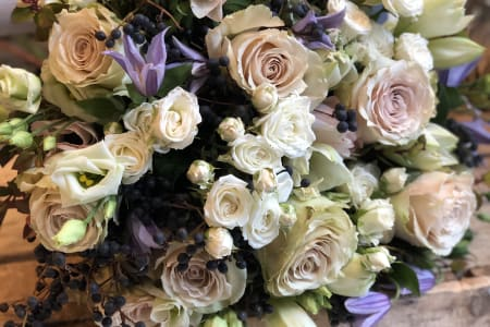 Bespoke Flower Arranging Workshop - Hand Tied Bouquet