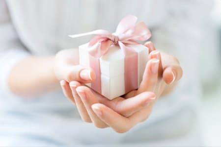 Learn Machine Knitting and make a beautiful gift!