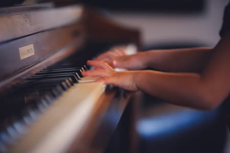 Play Basic Lessons with East London Piano