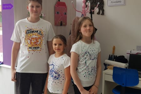 Kids Holiday Print a T-shirt Workshop