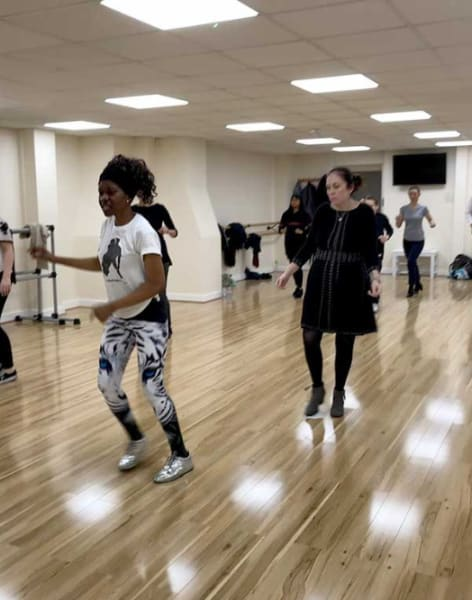 Salsa Class for Beginners by Salsamotion - dance in London