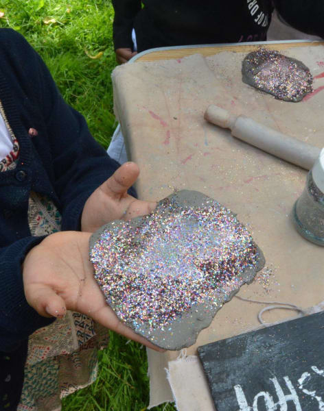 Childrens' Mosaic & Ceramic Parties by Art4Space - art in London