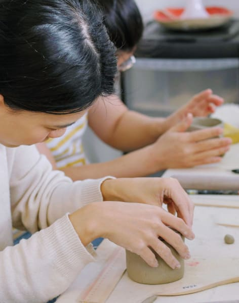 4 sessions Drop-in Creative Clay Sessions by CozyPots Creative Studio - art in London