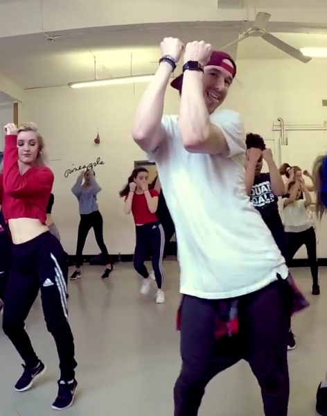 Beginners Commercial Dance Class by Brendon Hansford - dance in London