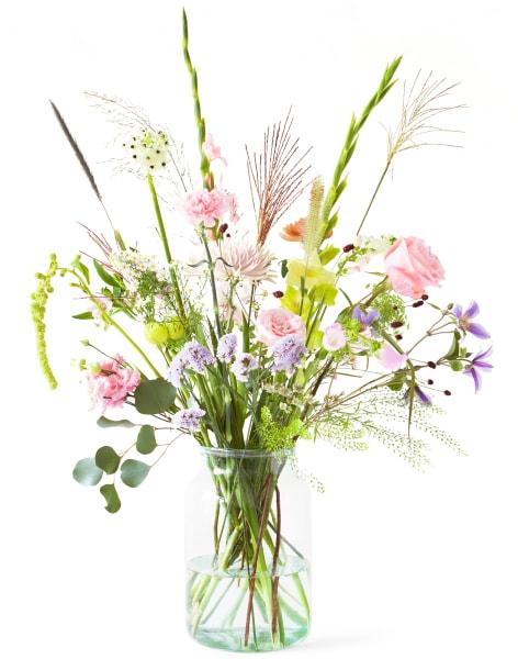 bloomon Flower Arranging Workshop Chelsea by bloomon - crafts in London