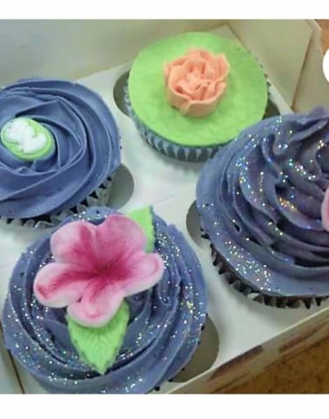 Beginners Cupcake Decorating Techniques by The London Cake Academy - food in London