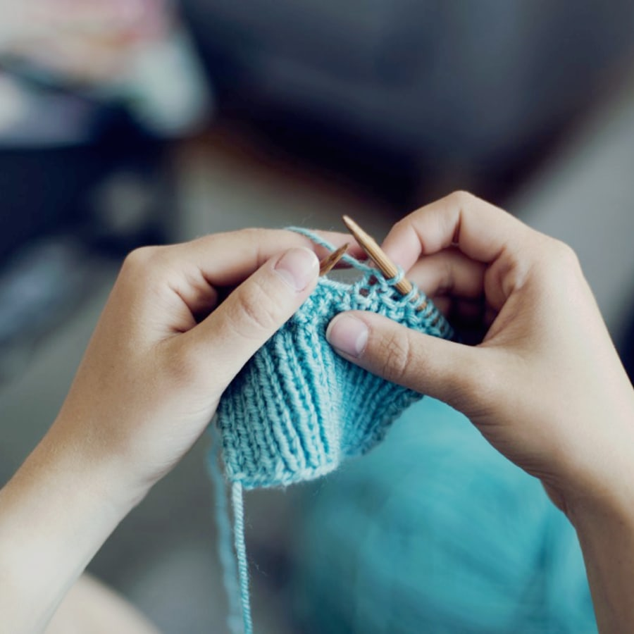 Beginners Knitting Class by Tea & Crafting - crafts in London