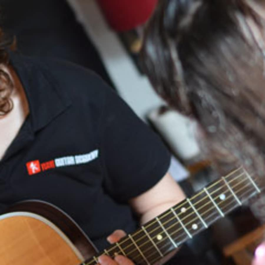 Advanced Guitar Lessons by Your Guitar Academy - music in London