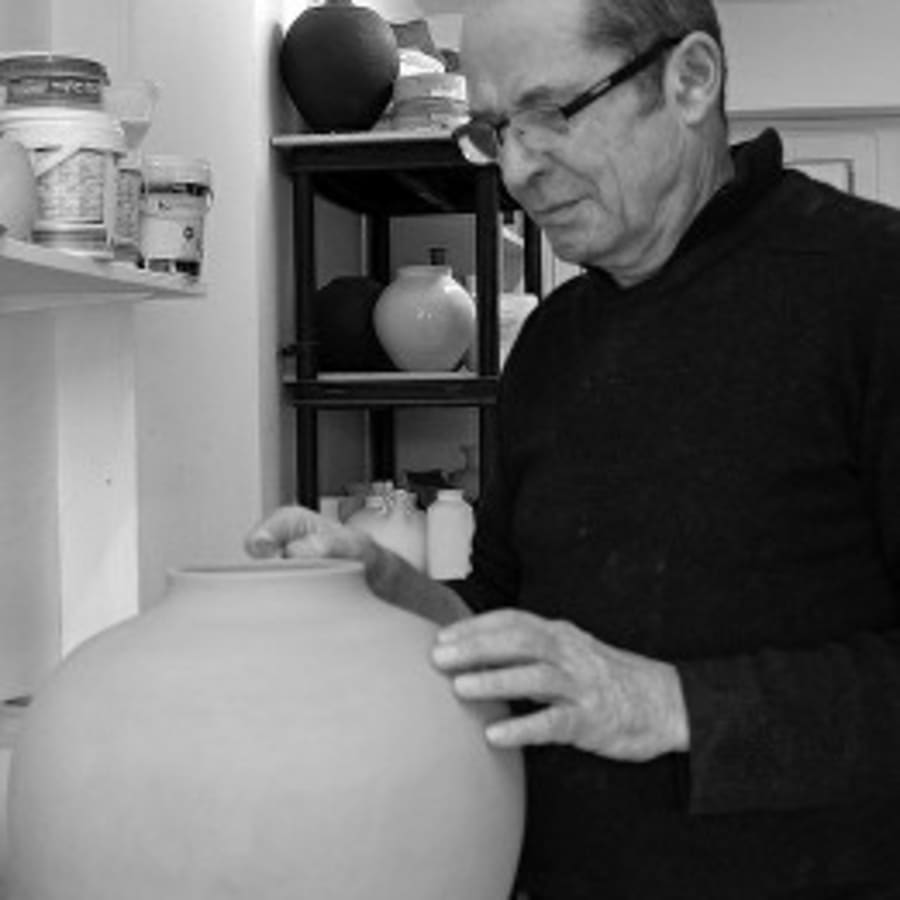 Introduction toThrowing on the Potters Wheel by The Coiled Pot - art in London